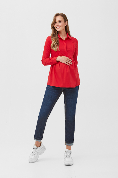 Bright red shirt for pregnant women