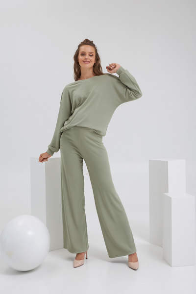 Jumpers for pregnant women